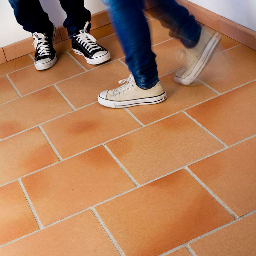 ZoomImage2baked-earth-tiles-natural-toned-terracotta-tile-1000-31384776400