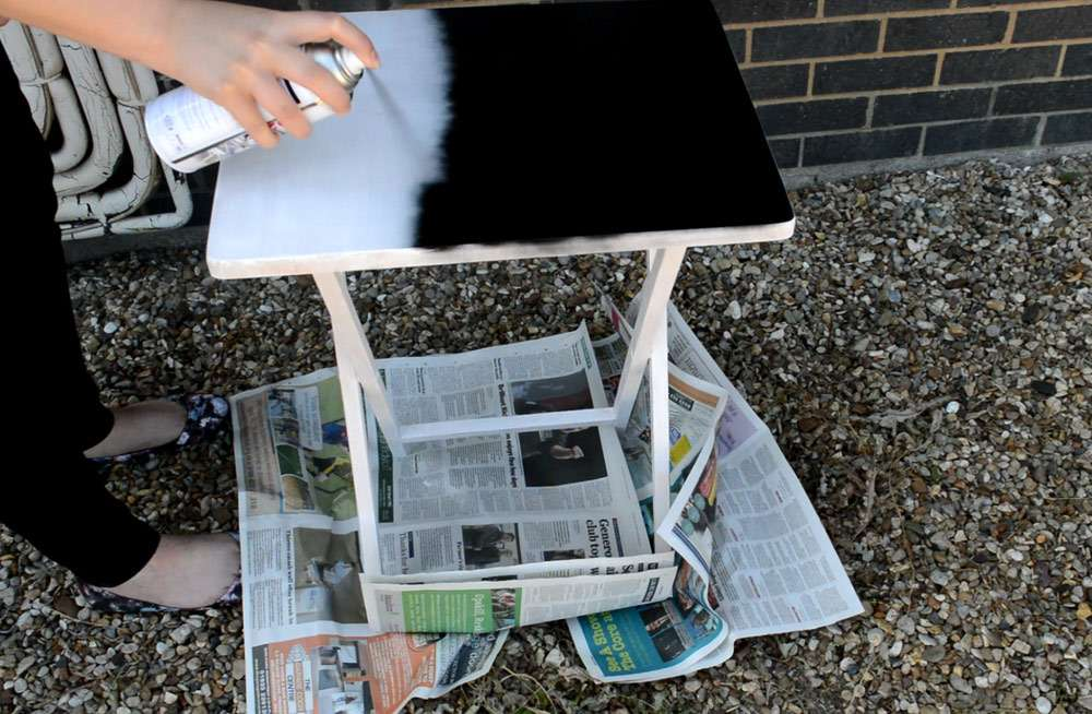 spray painting side table