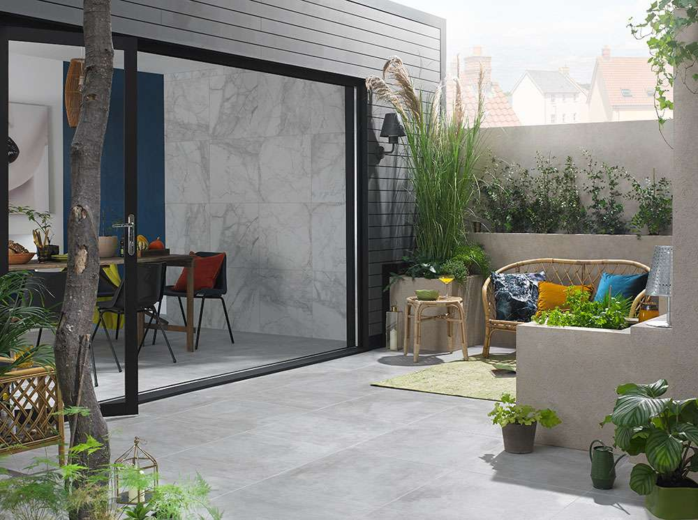 Planate stone effect outdoor paving slabs